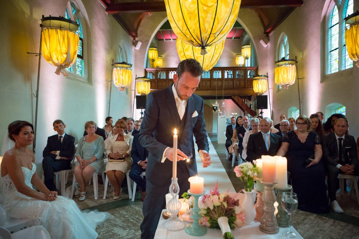 Klooster Bethlehem, Haaren, Intieme trouwfoto, Sfeerfoto, Bruiloft