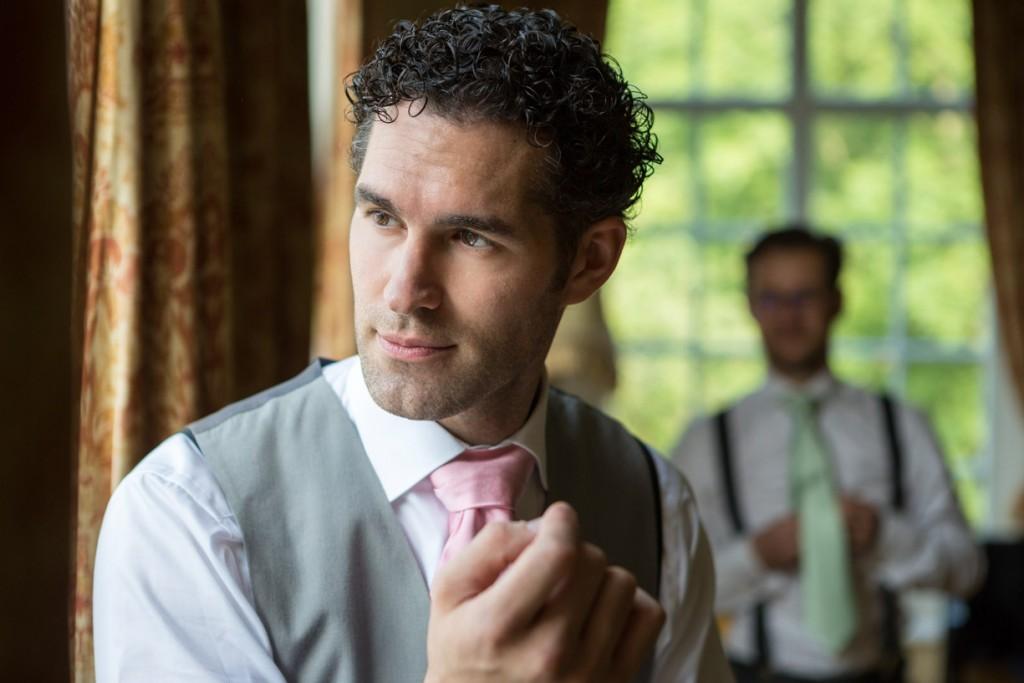 bruiloft-fotograaf-kasteel-maurick-trouwreportage-vught-interieur-onbevangen-fotografie