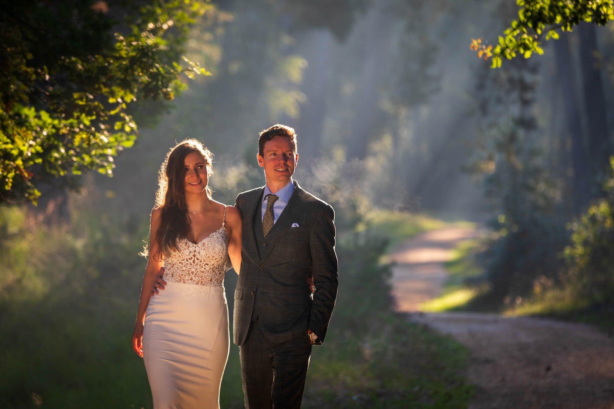 Trash the dress fotoshoot na de bruiloft.
