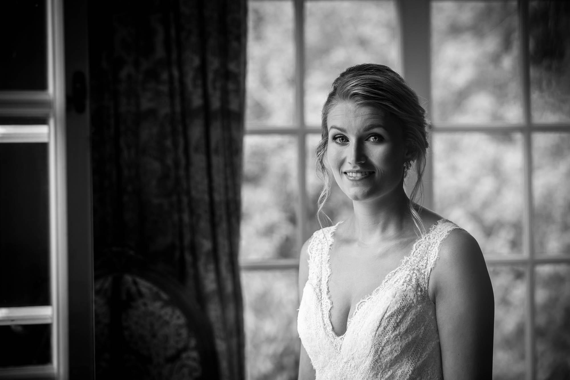 Zwart wit portret bruid Kasteel Maurick.